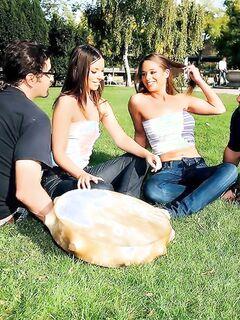 Групповой анальный трах с молодыми телочками - студенточками