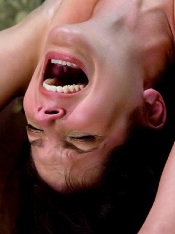 БДСМ порно сексапильной телки, которую связали и накачали анал спермой