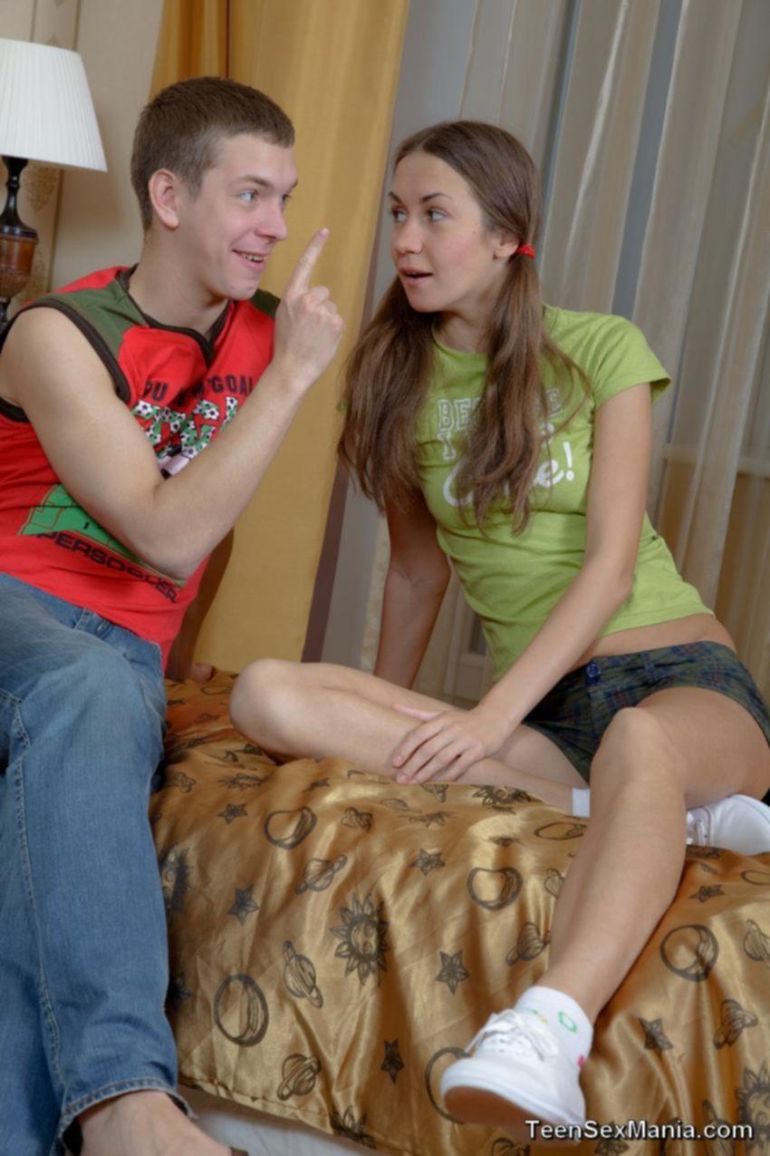 Парень развел на трах свою подружку
