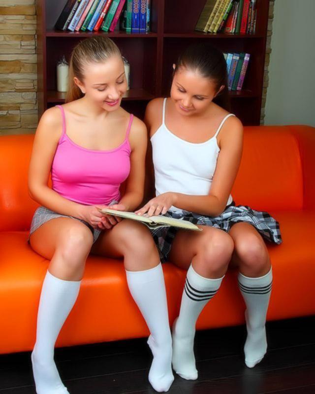 Лесбиянкам нельзя вместе делать уроки