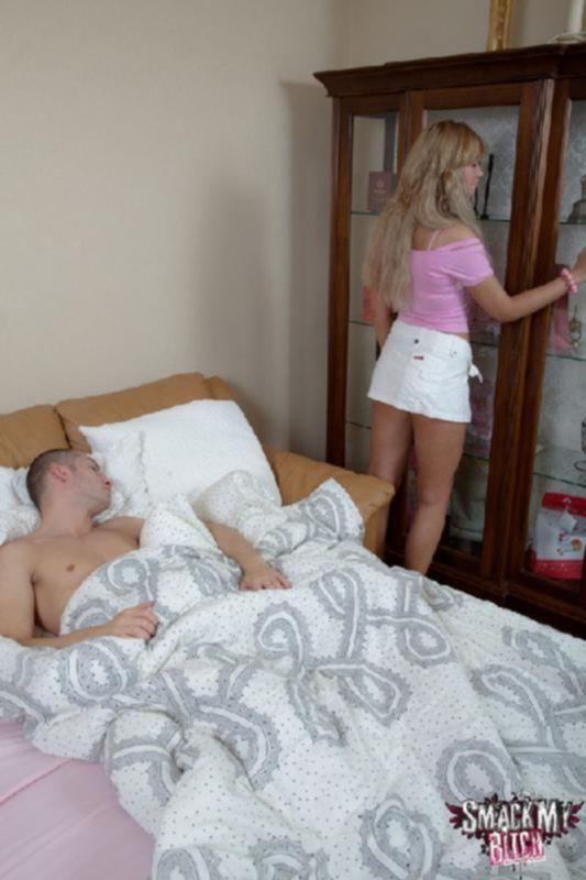Порно фото анала с юной гостьей