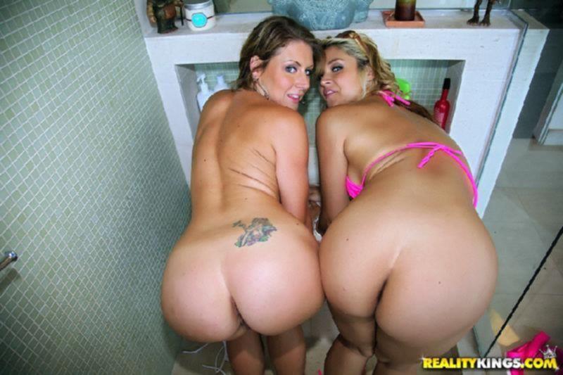 Порно фото анальной ебли с развратными подружками