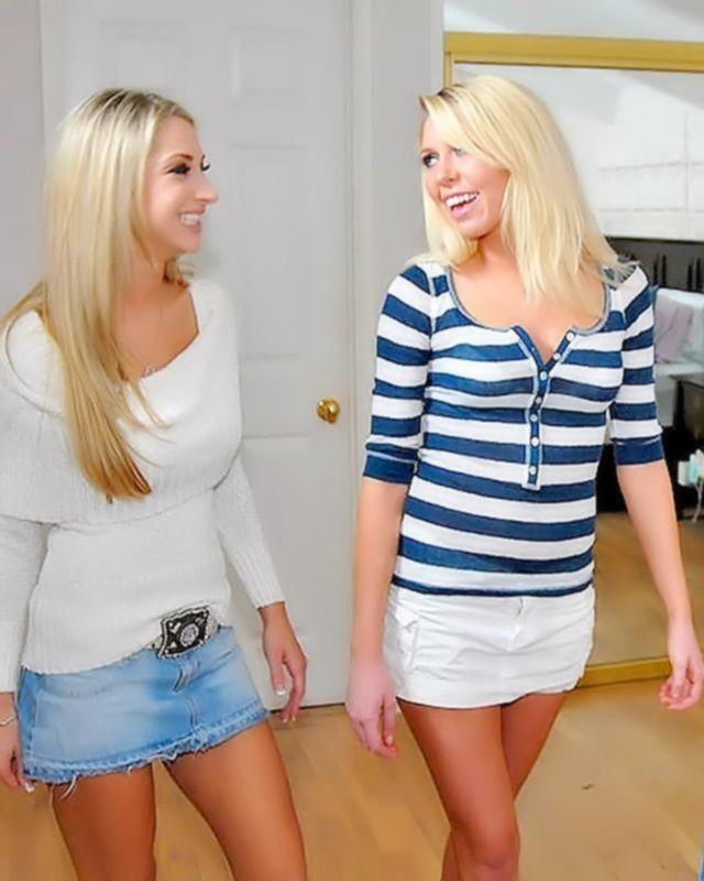 Блондинка мастурбирует на меховой постели
