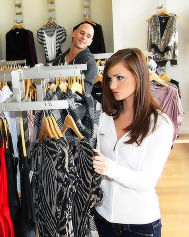 Бешеный секс в магазине одежды