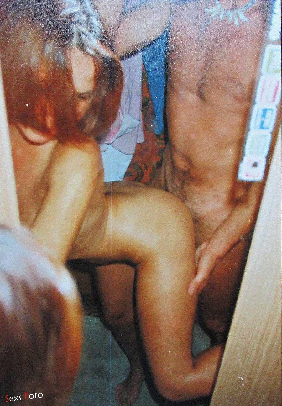 Домашний секс с рыжей русской шлюхой из 90-х годов